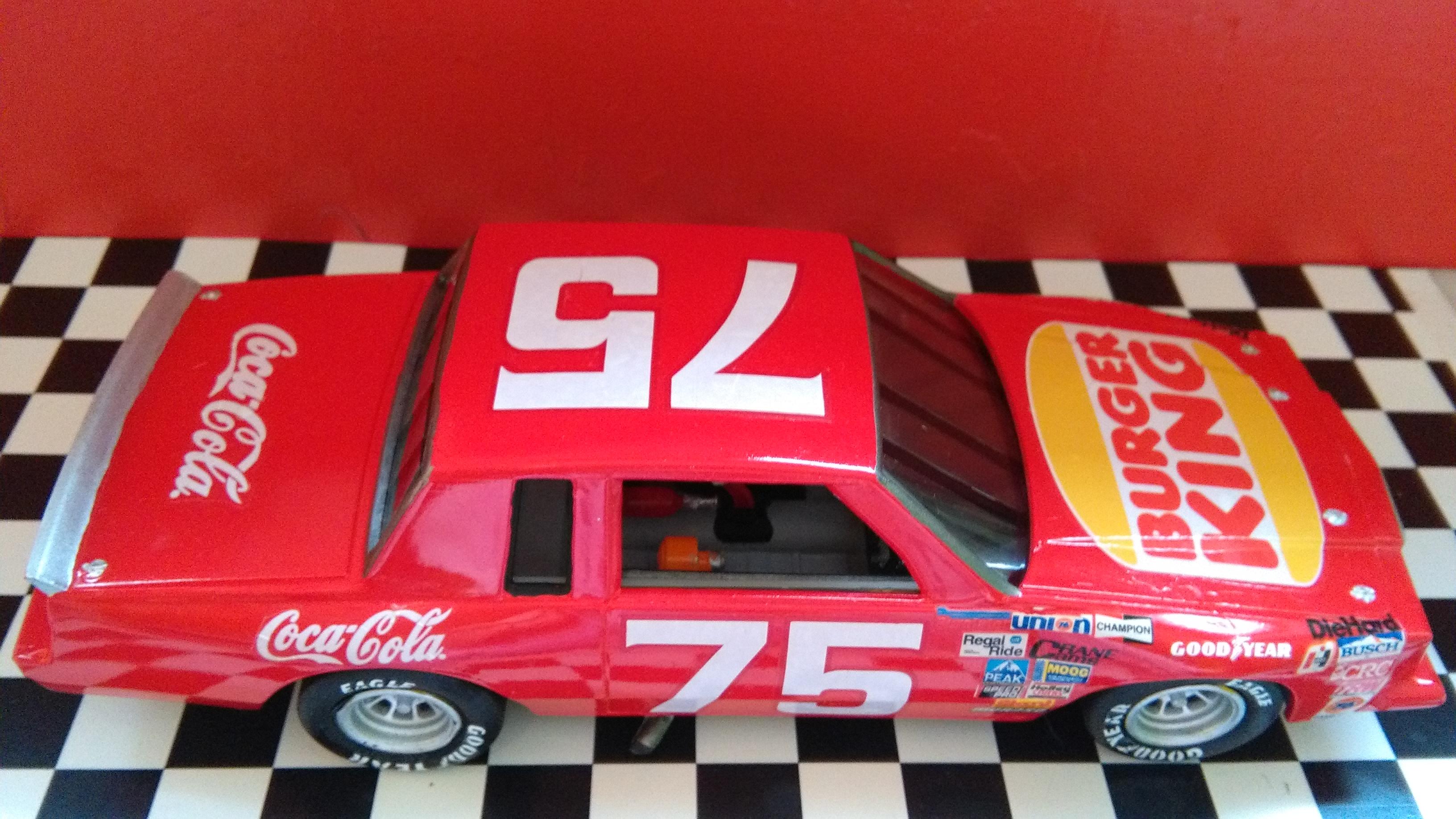 Pontiac Grand-Prix 1985 #75 Dave Marcis Coca-Cola (AMT 1/25) 899429IMG20170506154133