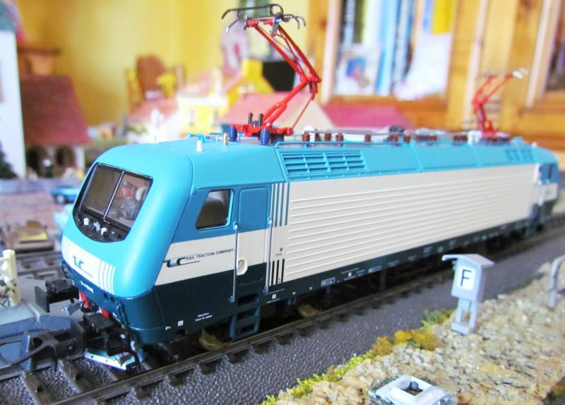 Une belle italienne en 3 rails chez Roco 904164IMG5776