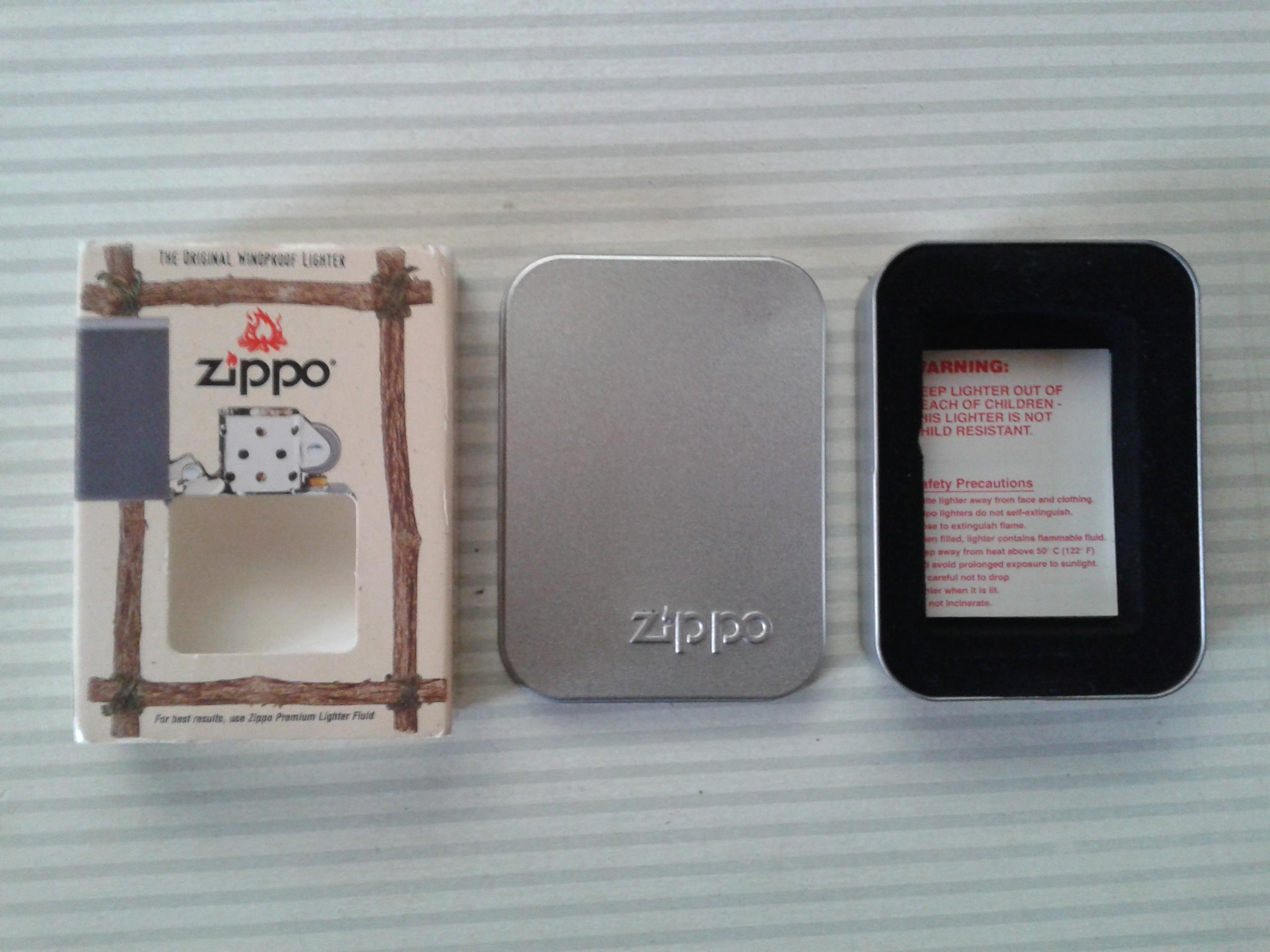 Les boites Zippo au fil du temps - Page 2 908440Windproof4