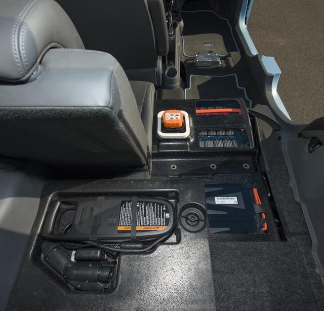 salon de Los Angeles 2012 : la Chevrolet Spark EV  918035ChevroletSparkEV8
