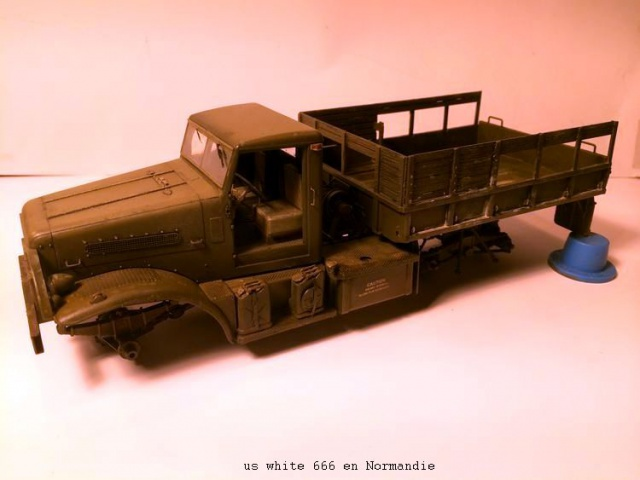 us white 666 cargo truck au 1/35 en Normandie hobby boss - Page 2 920484white2001