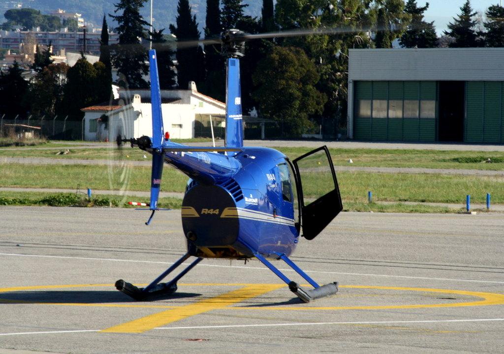 VOL en Robinson R44 autour de LFMD Cannes-Mandelieu 920819IMG0789
