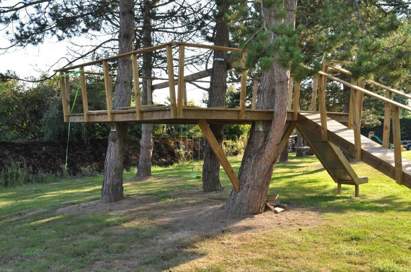 Projet de toboggant pour la cabane dans les arbres de mon fils, vos idées? - Page 3 922045Cabane16