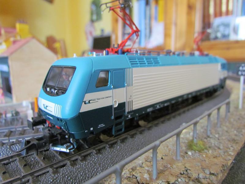 Une belle italienne en 3 rails chez Roco 922768IMG5777