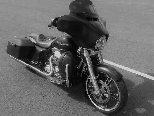 combien de STREET GLIDE  sur le forum Passion-Harley - Page 12 924663SGYann133Copie