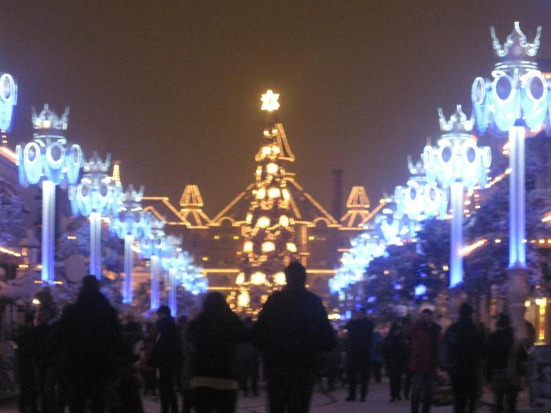 [Disneyland Paris] Disneyland Hotel - chambre Castle Club (8-10 décembre 2010) (début du TR p.9) - Page 8 929225IMG2070