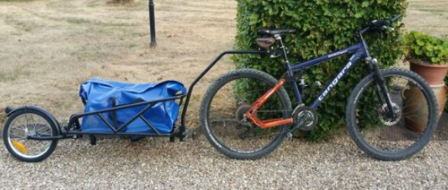Comment transporter son matos de kite à vélo  931668remorque1