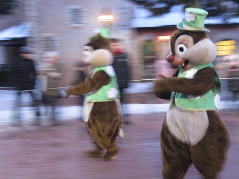 [Disneyland Paris] Disneyland Hotel - chambre Castle Club (8-10 décembre 2010) (début du TR p.9) - Page 10 935501IMG2264