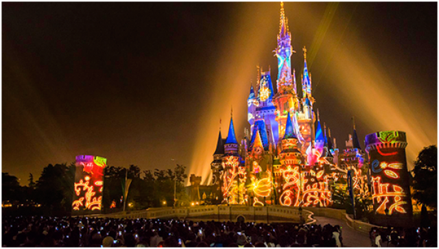[Tokyo Disneyland] Nouveau spectacle nocturne : Once Upon a Time (29 mai 2014)  - Page 4 939200on4