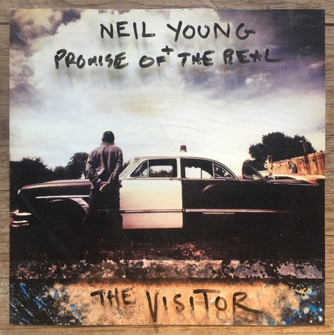 Neil Young - Page 24 939343thevisitor480x481