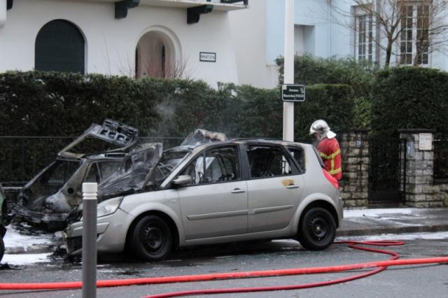 Incendie de voiture..... en cause ? 941023image506