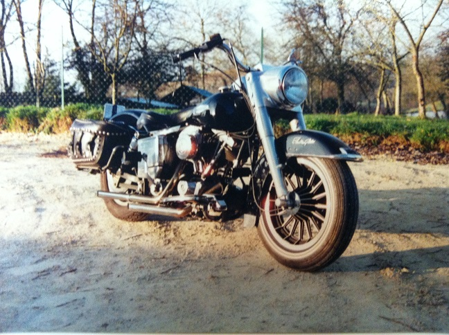 Les vieilles Harley....(ante 84)..... - Page 37 942744IMG2442