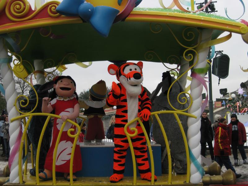 [Disneyland Paris] Disneyland Hotel - chambre Castle Club (8-10 décembre 2010) (début du TR p.9) - Page 10 942830IMG2514