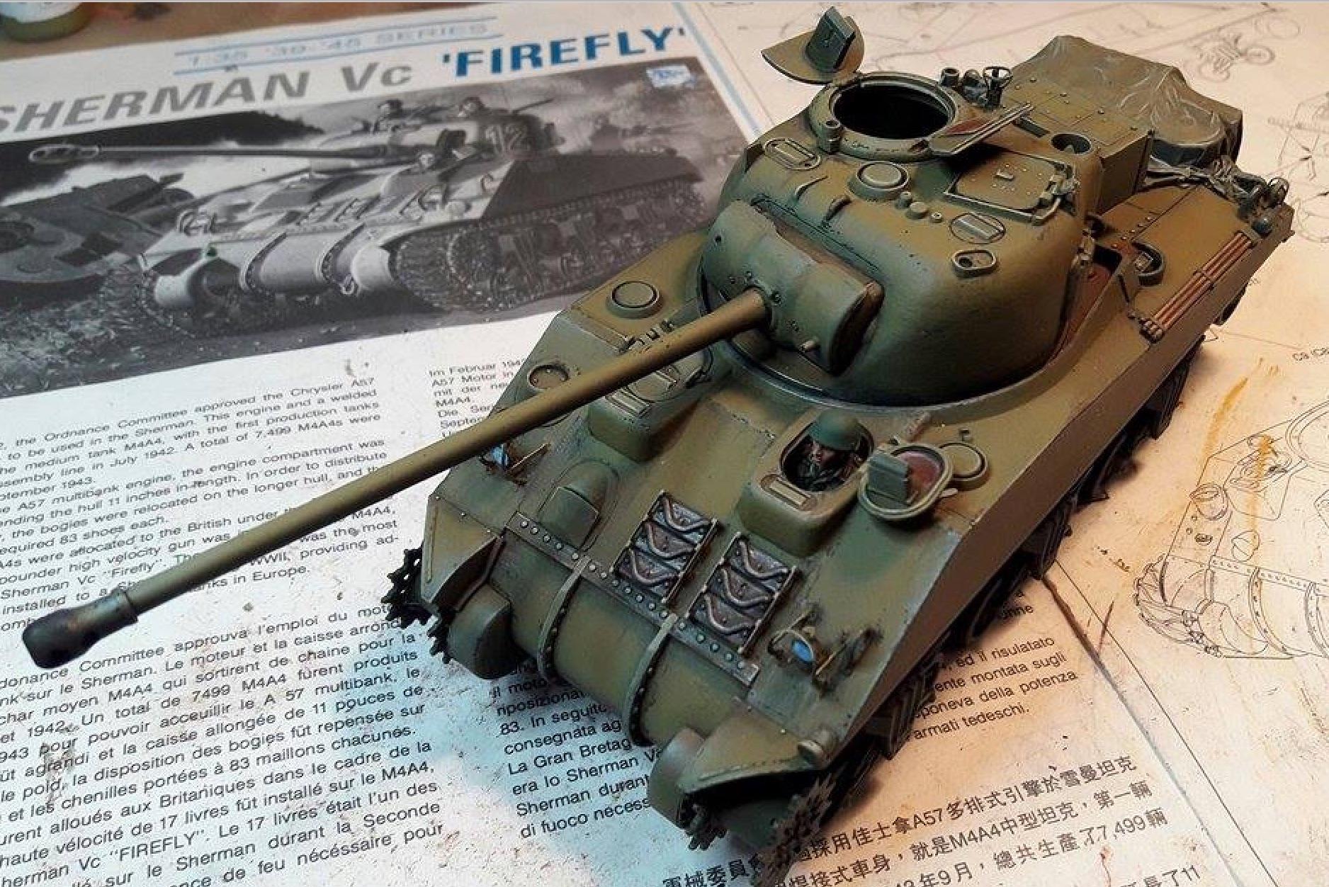 Sherman Vc Firefly - 1/35ème - kit Dragon #6031 Sherman Vc 'Firefly' - Page 2 9440252stShadowsLightshead