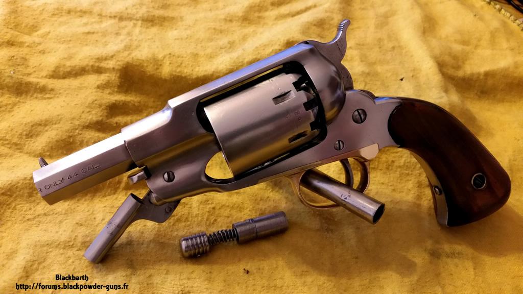 """Texas Avenger"" Cal 44 une Customisation du Remington 1858 945593RemSnub06"