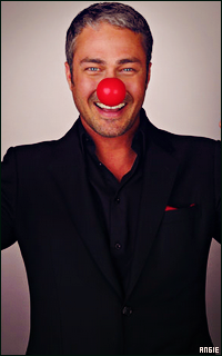 Ma petite galerie des horreurs - Page 11 945667TaylorKinney1