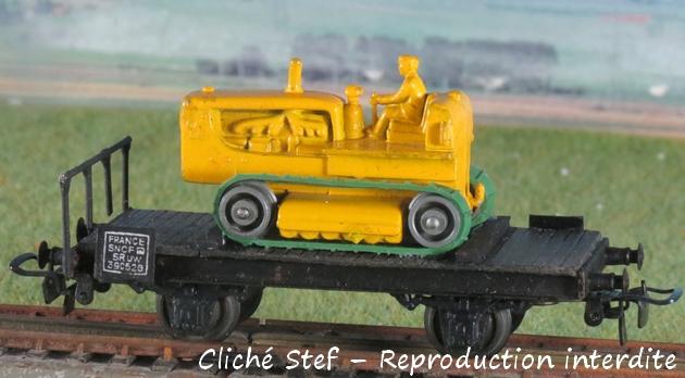 Wagons plats 2 ess maquette et semi maquette chargés par ordre alphabetique 947189VBchenilletteIMG4264R