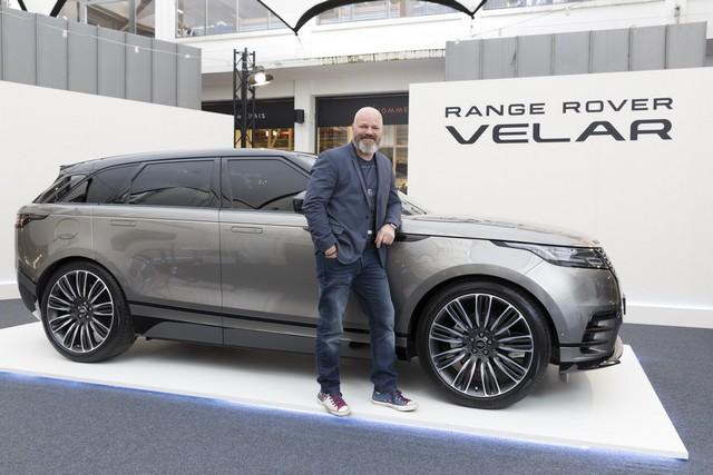 Le Range Rover Velar s'est dévoilé sur les toits de Paris 948744jk1734003