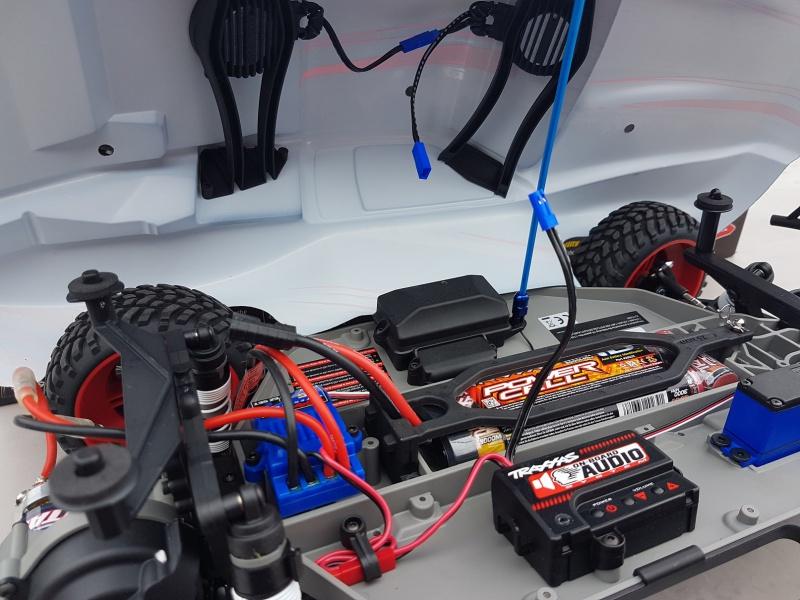 Traxxas Slash OBA 2WD (les VXL /4X4 / Platinium et tout autres sont bienvenu dans ce sujet). 94880920170617101450