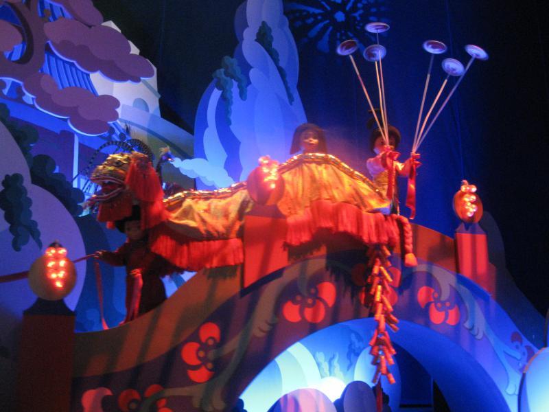 [Disneyland Paris] Disneyland Hotel - chambre Castle Club (8-10 décembre 2010) (début du TR p.9) - Page 8 953567IMG2051