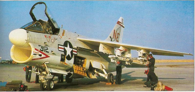 BOEING F/A-18E et F SUPER HORNET  962316VoughtA7CorsairII2