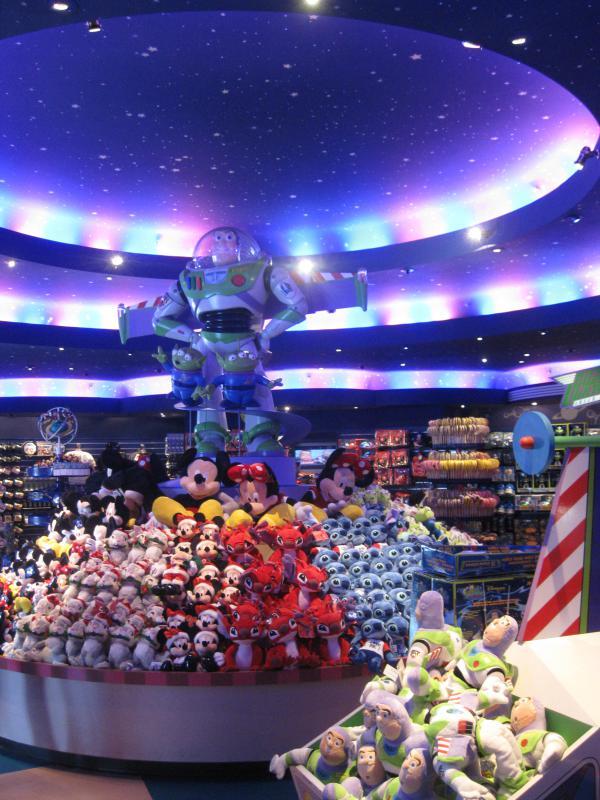[Disneyland Paris] Disneyland Hotel - chambre Castle Club (8-10 décembre 2010) (début du TR p.9) - Page 9 963946IMG2170
