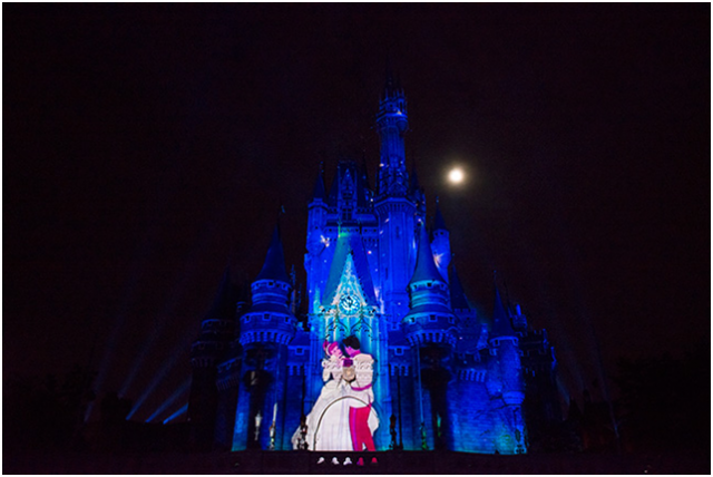 [Tokyo Disneyland] Nouveau spectacle nocturne : Once Upon a Time (29 mai 2014)  - Page 3 964018ouat2