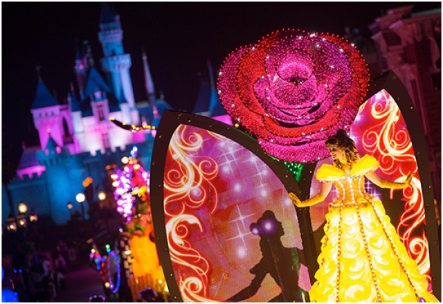[Hong Kong Disneyland] Nouvelle parade nocturne : Disney Paint the Night (1er Octobre 2014)  - Page 4 97068132p1