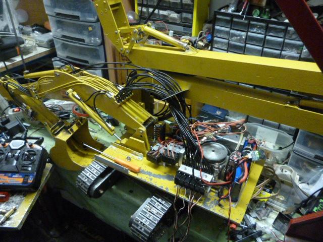 pelles électro hydrauliques LIEBHERR 964 B - Page 10 976075P1030554