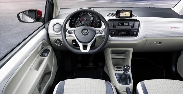 Volkswagen et BeatsAudio™ – Petites voitures au son époustouflant  988420hddb2016au00125