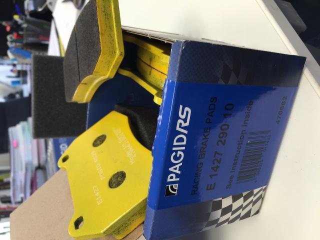 [3200 GT / 4200 / GranSport] Les plaquettes de frein 990672plaquettepgidrs29e1427