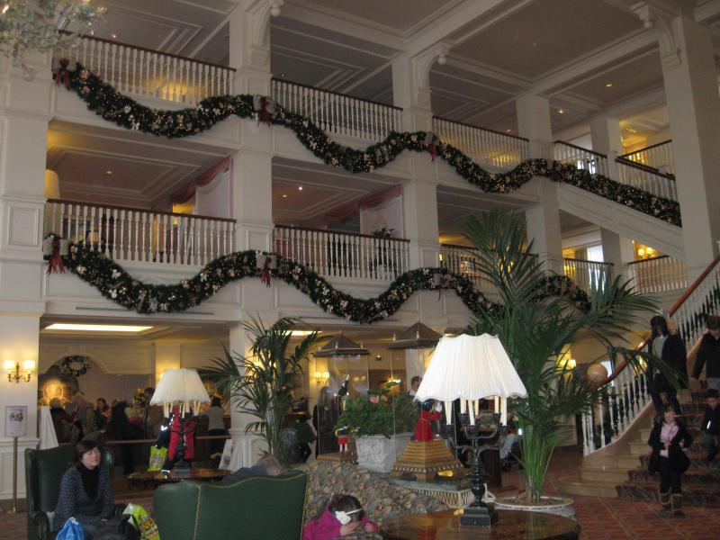 [Disneyland Paris] Disneyland Hotel - chambre Castle Club (8-10 décembre 2010) (début du TR p.9) - Page 10 991081IMG2560