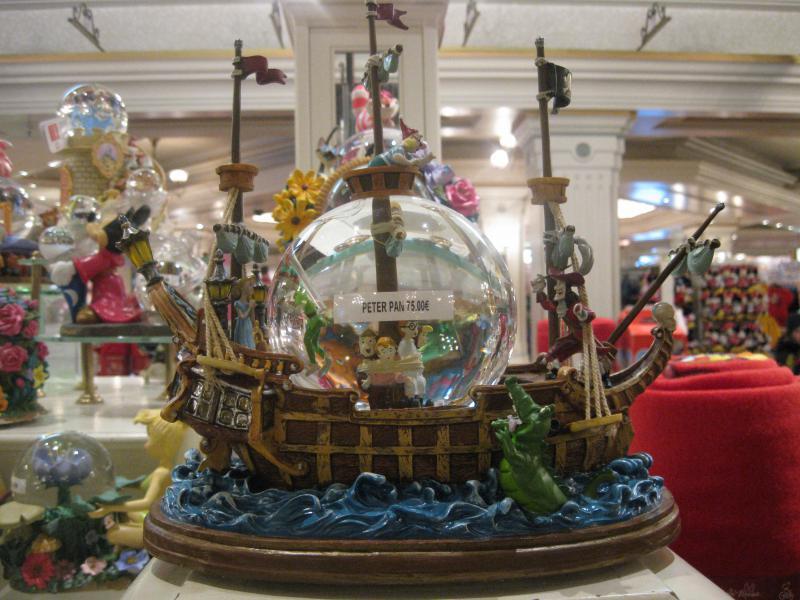 [Disneyland Paris] Disneyland Hotel - chambre Castle Club (8-10 décembre 2010) (début du TR p.9) - Page 8 994728IMG1990