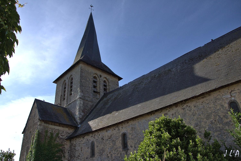 [fil ouvert] édifices religieux de toutes confessions. 996466CHEMIREsurSARTHEgliseclochertordA141201