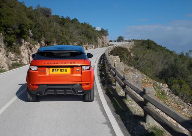 Range Rover Evoque Deux Nouveaux Modèles Autobiography en 2015 999543RREVQ15MYABDynamic18021408