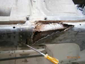 Restauration de la caravelle 1100S de juju Mini_136818BasdecaisseD9
