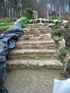 Un escalier dans le jardin.... Mini_179524IMG0004jpg