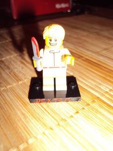 [LEGO] Créations d'oeuvres célèbres - Page 9 Mini_217015DSC01306