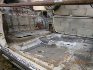 Restauration de la caravelle 1100S de juju Mini_385952PC200015