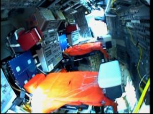 [STS-133]Discovery: fil dédié au suivi du lancement prévu le 24.02.2011 - Page 2 Mini_492920vlcsnap2011022419h27m08s201