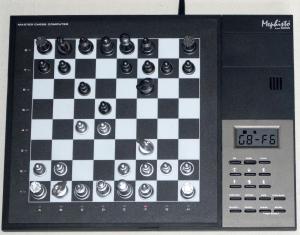 "Mephisto from Saitek : Master Chess Computer 32 MHz ""Je ne le possède pas ?!"" Mini_541052MephistoMasterChessSchachcomputer32MHzNetzteilca2260ELO"