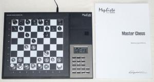 "Mephisto from Saitek : Master Chess Computer 32 MHz ""Je ne le possède pas ?!"" Mini_912570MephistoMasterChessSchachcomputer32MHzNetzteilca2260ELO1"