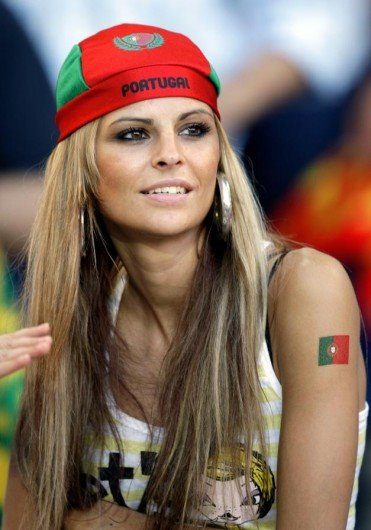 Supportrices... - Page 30 114991portugaise