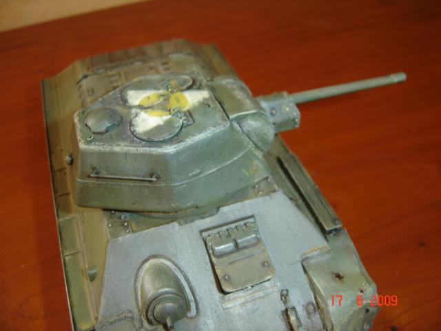 T-34 modèle 43 [Zvesda/Revell 1/35e] - Page 2 122841juin_2009_019