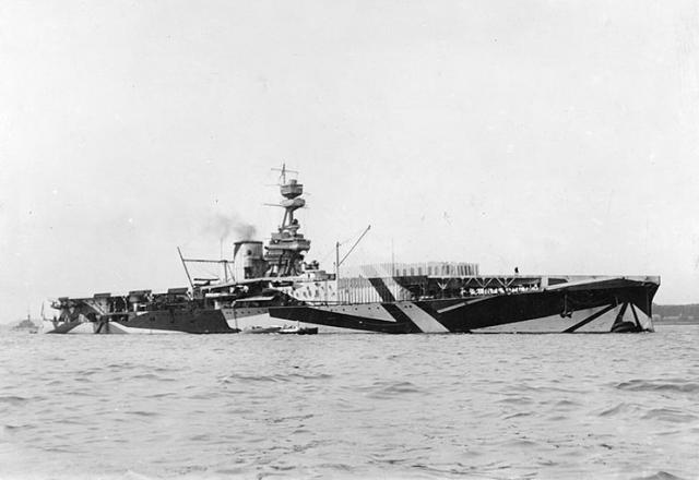 ROYAL NAVY PORTE AVIONS HMS FURIOUS 125975hms_furious_03
