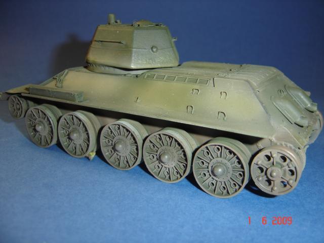 T-34 modèle 43 [Zvesda/Revell 1/35e] 129560mai_2009_217