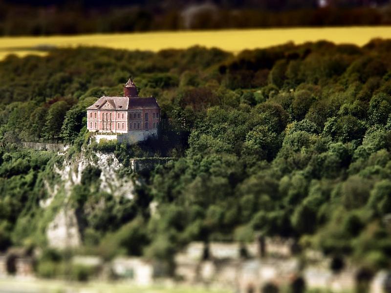 Chateau ( tilt shift) 175645chateau