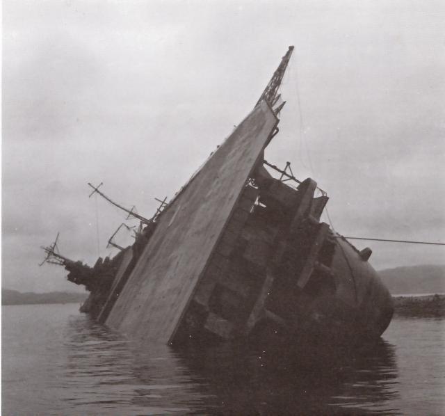 JAPON PORTE-AVIONS CLASSE UNRYU 181034Amagi_Kure.1945_1