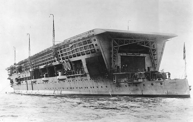 ROYAL NAVY PORTE AVIONS HMS FURIOUS 190003hms_furious_06