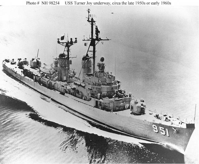 DESTROYERS CLASSE FORREST SHERMAN - Page 2 208179USS_Turner_Joy